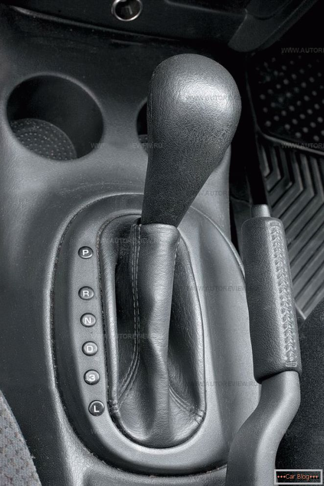 Chrysler sebring and dodge stratus - cheap american cars