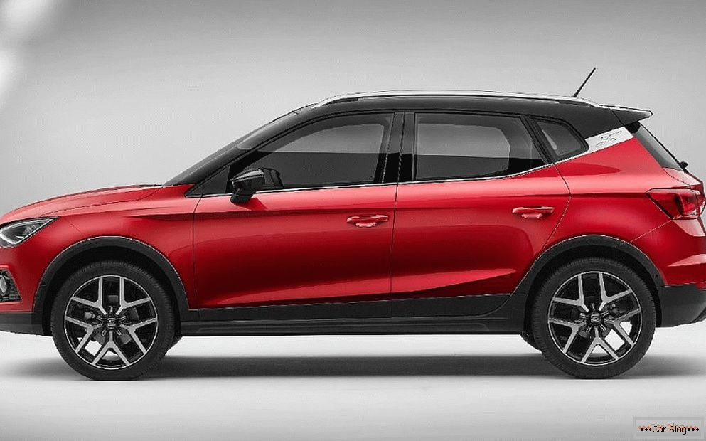 Seat introduced the new subcompact crossover Seat Arona