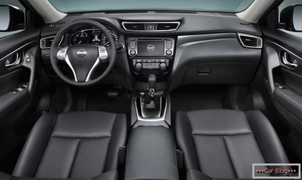 Car Nissan X-Trail has a spacious and comfortable lounge.