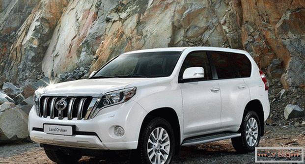 The appearance of the car Toyota Land Cruiser Prado leaves more positive impressions