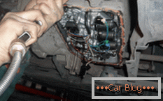 how is the complete replacement of oil in the automatic transmission with their own hands in a foreign car